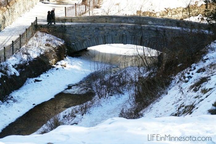 Minnehaha-Falls-photographic bridge 2015 mn