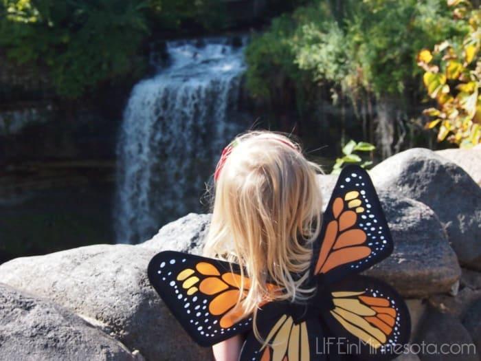 my-sweet-butterfly-waterfall-life-in-minnesota-blog-2015-photo-shoot-ideas-kids-mn.jpg