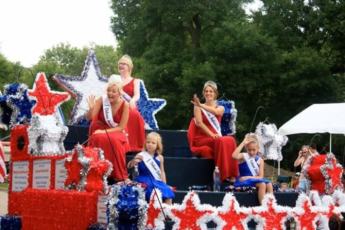 fourth of july delano parade float mn fireworks best