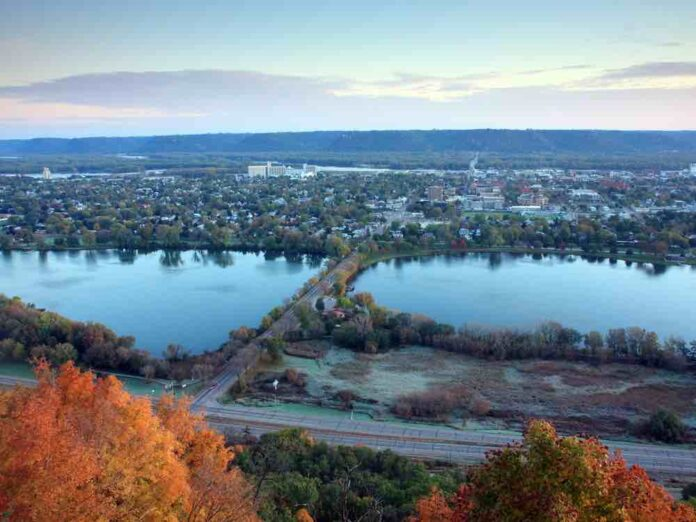 Find quaint small town attractions on the shores of the MIssissippi River.