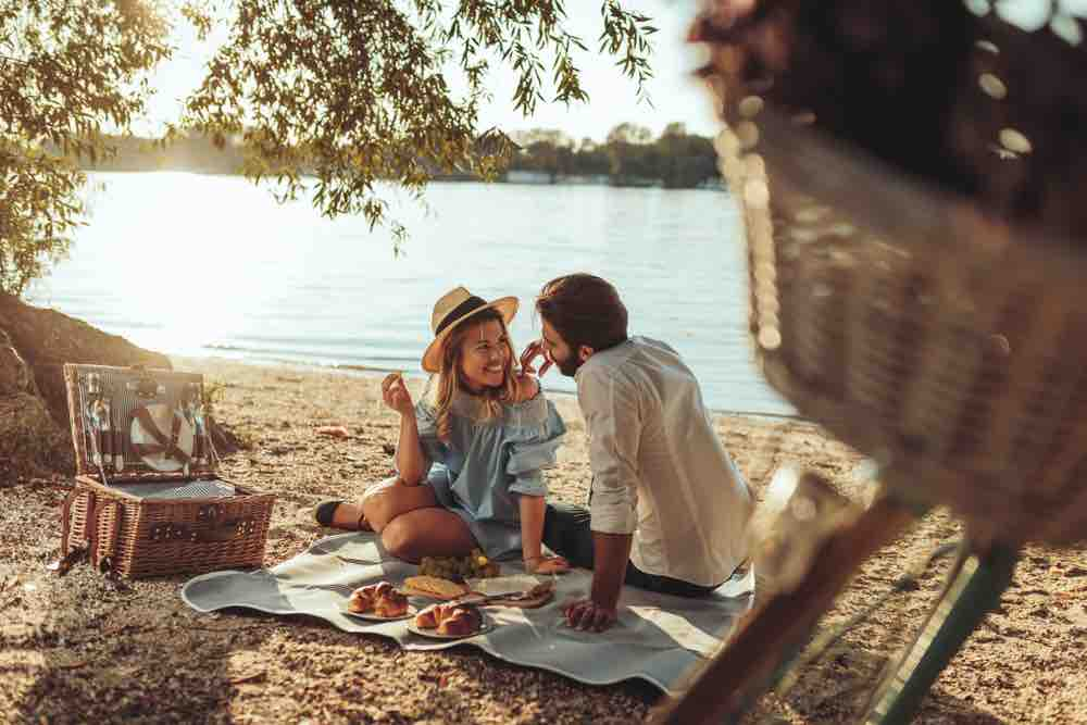 Picnicking is an affordable romantic night out for couples looking for things to do in Two Harbors MN.