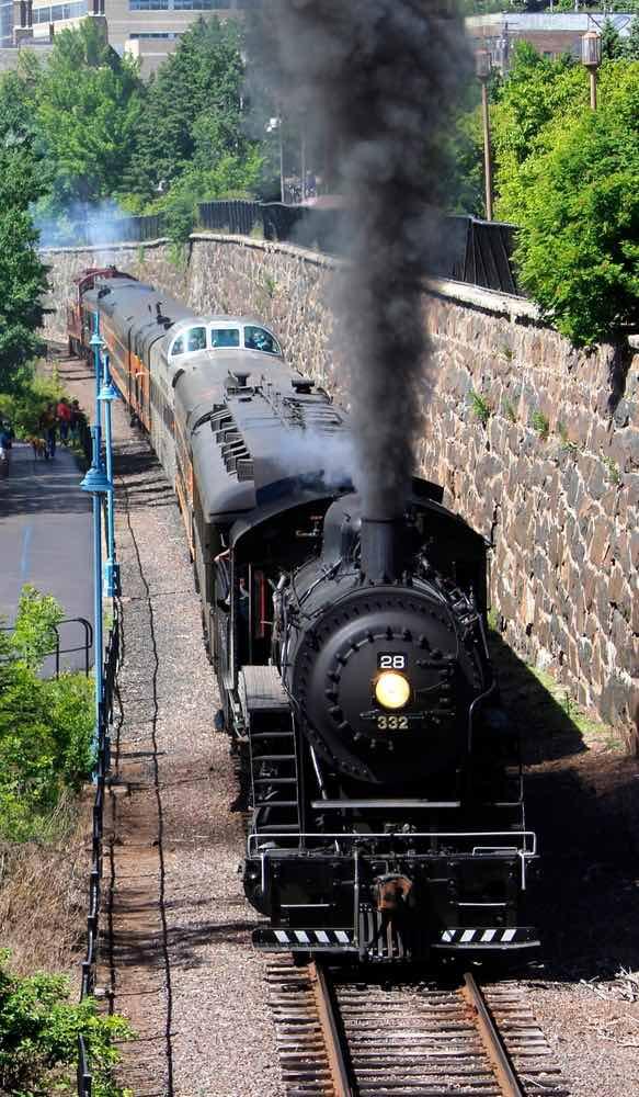 North Shore Scenic Railroad